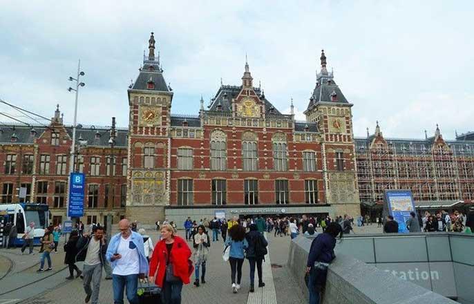 gare-centrale-amsterdam