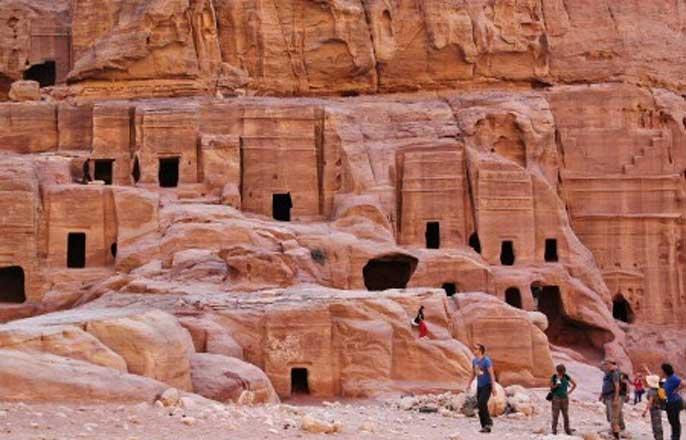 tombe-nabateens-petra-jordanie