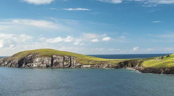 tourisme-falaise-irlande-mer