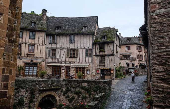 village-conques-midi-pyrenees