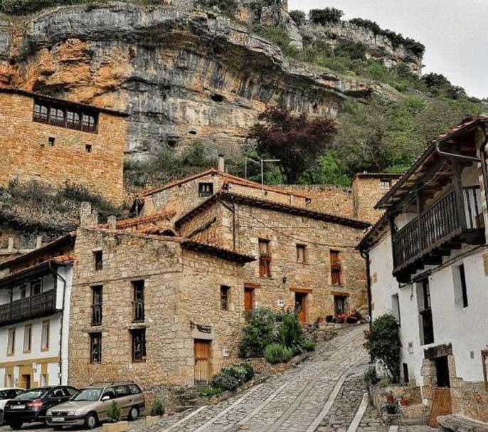 village-orbaneja-del-castillo