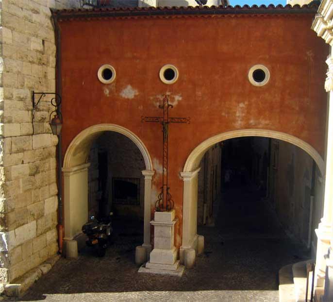 ancienne-maison-antibes-tourisme