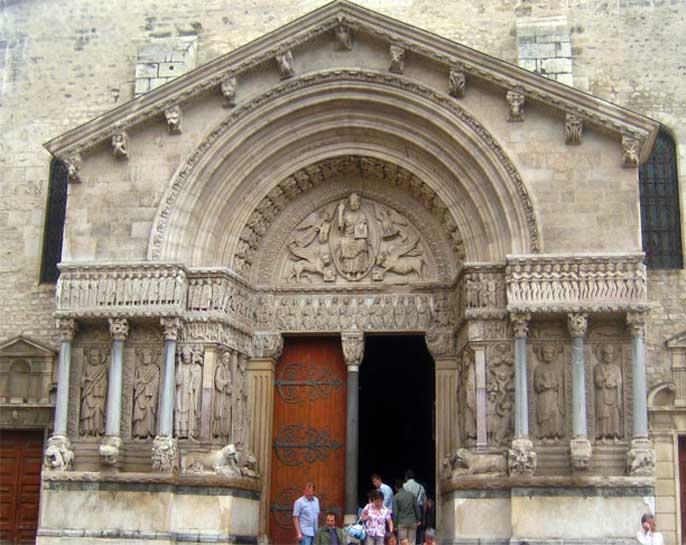 cathedrale-saint-trophime-arles