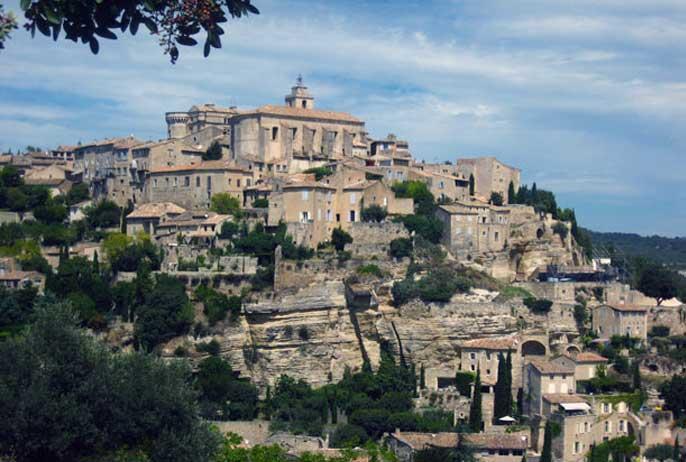 vue-village-gordes-montagne