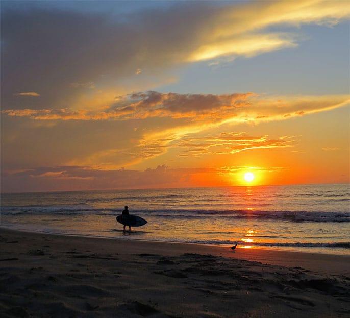 ou-faire-surf-plage-etats-unis