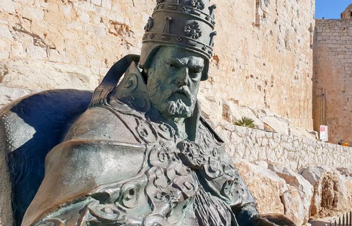monument-pape-luna-peniscola