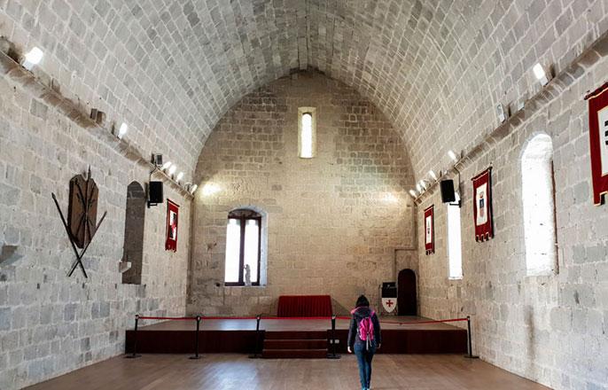 salle-gothique-chateau